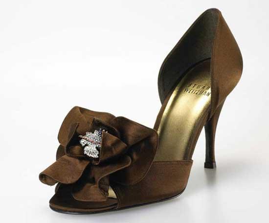 2 Rita_Hayworth_Heels_Stuart_Weitzman FOTO: Aceștia sunt cei mai SCUMPI pantofi din lume: prețul lor este EXORBITANT FOTO: Aceștia sunt cei mai SCUMPI pantofi din lume: prețul lor este EXORBITANT