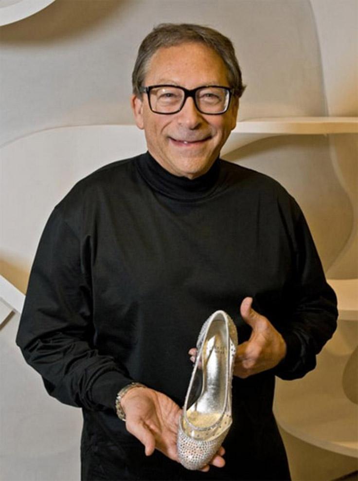 3.Cindarella-slippers FOTO: Aceștia sunt cei mai SCUMPI pantofi din lume: prețul lor este EXORBITANT FOTO: Aceștia sunt cei mai SCUMPI pantofi din lume: prețul lor este EXORBITANT