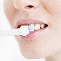 De ce sangereaza gingiile?
