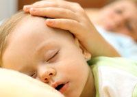 Unde doarme bebe - in patul parintilor sau in al lui?