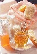 Mierea de albine: 5 tratamente de frumusete