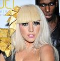 Lady Gaga sacrifica dragostea