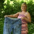 """Două prietene, şocate de pozele din vacanţă: """"Vai, cât de grase eram!"""""""
