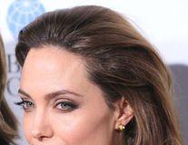 Angelina Jolie vrea să joace într-un film erotic