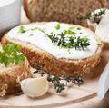 Renunţă la E-uri: Cum să faci brânză topită în casă. Simplu şi rapid