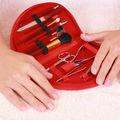 Cum să ne îngrijim corect mâinile. Trucuri utile de la un nail stylist!