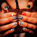 Frumuseţe. 20 de idei de manichiuri pentru Halloween. Încearcă-le!
