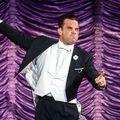 VIDEO: Robbie Williams a cântat lângă soția sa, care năștea!