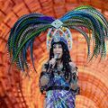 Cher poartă un monitor cardiac
