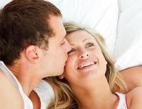 Dragoste online. Cum îţi găseşti bărbatul potrivit pentru relaţie de lungă durată