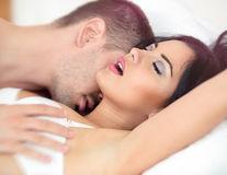 Sex. 5 poziţii erotice pentru stimularea punctului G. Bucură-te de orgasme intense!