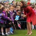 2015 copii născuți în aceeași zi cu bebelușul regal vor primi câte o monedă de argint
