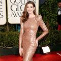Modă. 30 cele mai sexy ţinute ale actriţei Anne Hathaway