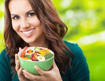 Nutriţie: Cum să ai un sistem digestiv sănătos în 3 pași