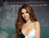 """""""Regina R&B"""" intră în """"reparaţii"""": Cristina Spătar îşi schimbă silicoanele"""