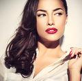 Frumuseţe. 8 trucuri simple de machiaj pentru fetele leneşe