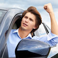 Studiu. Bărbații, cauza agresivităţii în trafic. Opinia specialistului