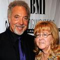 Soţia lui Tom Jones a murit de cancer după 59 ani de căsnicie