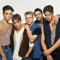Robbie Williams revine în trupa Take That pentru un turneu mondial