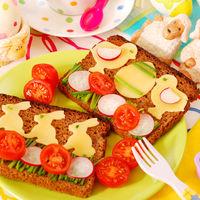 Ce să faci ca să nu-ţi fie rău de la mâncărurile de Paşte. Sfatul medicului