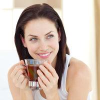 Ai probleme cu digestia după mesele copioase? Apelează la aceste 5 ceaiuri!