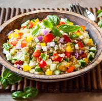 Salatele fac minuni pentru digestie dupa mesele copioase de Paste