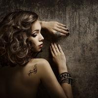 Cele mai dureroase zone pentru tatuaje. Mai ai curaj?