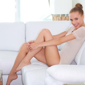 Picioare perfecte fara fire de par sub piele