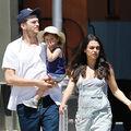 Mila Kunis, Ashton Kutcher si fiica lor