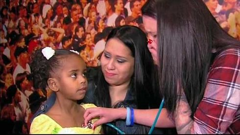 Heather, ascultand inima fiului sau Lukas