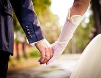 5 motive pentru care oamenii căsătoriţi sunt mai sănătoşi