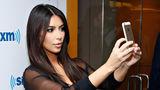 Ghidul lui Kim Kardashian pentru selfie-uri perfecte