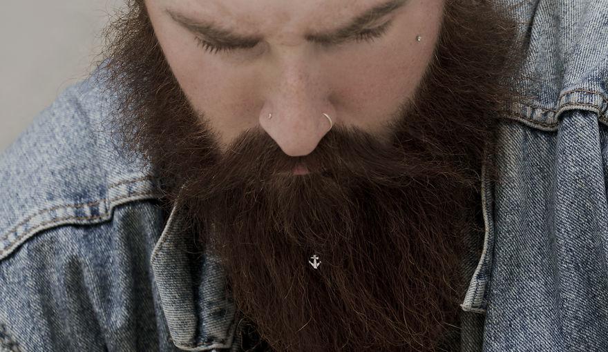 Bijuterii pentru barba