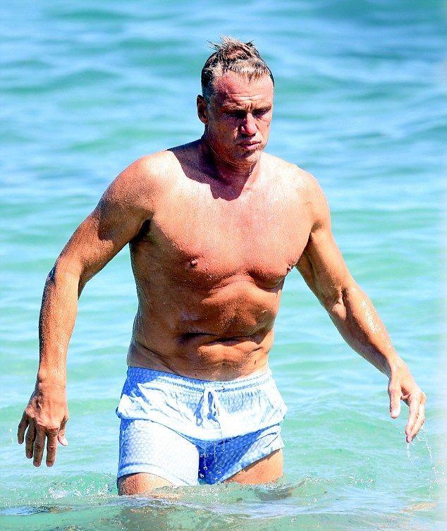 Dolph Lundgren plaj?