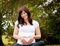 Ce înseamnă când visezi că ești însărcinată