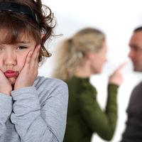 Semne că ai fost crescut de părinți toxici