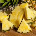 VIDEO: Cum să cureţi rapid un ananas. 4 metode geniale!
