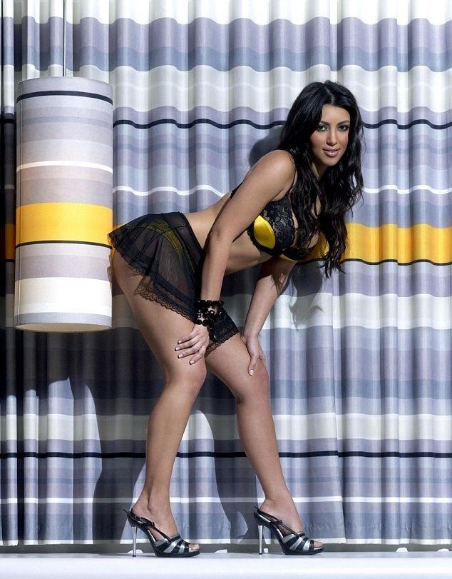 Mai slabă şi mai neşlefuită: Cum arăta Kim Kardashian la începutul carierei de starletă