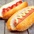 Ce se întâmplă în corp dacă mănânci hot dog? E considerat cel mai cancerigen aliment