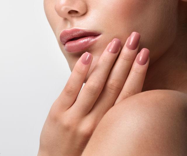 Cum să împiedici exfolierea unghiilor. Sfaturile specialistului
