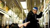 Show la metrou: Cele mai bizare lucruri pe care le fac oamenii în subteran - FOTO