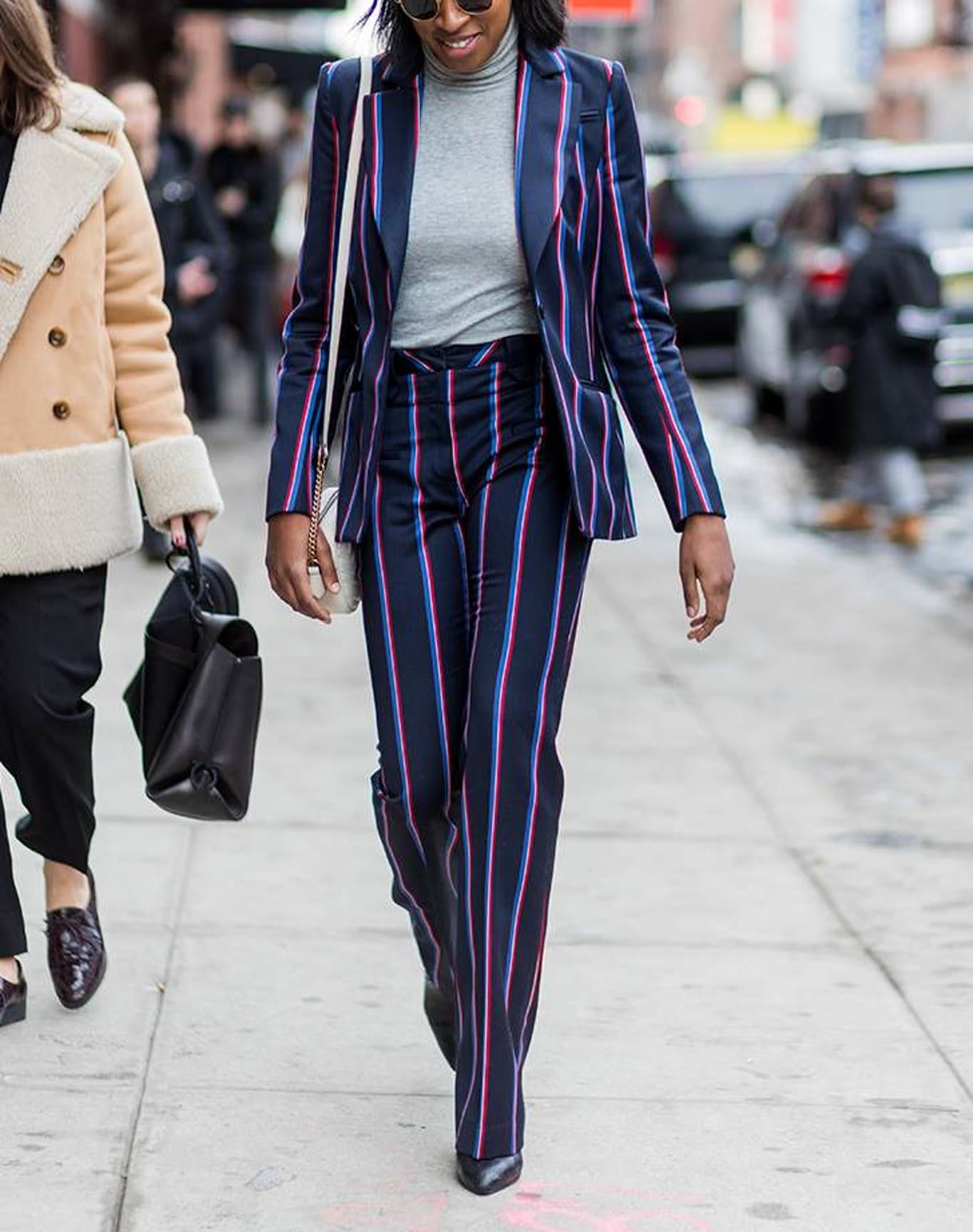 costum pantaloni