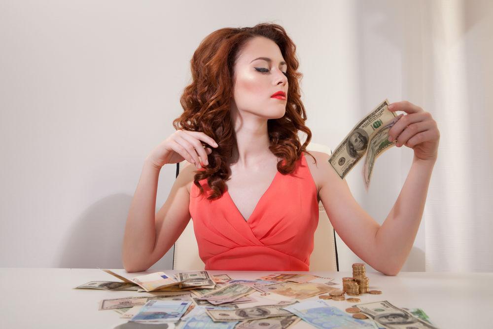 Horoscop. Cum stai cu banii în luna martie, în funcţie de zodia ta