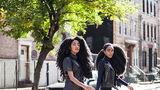 Reginele părului natural: Gemenele după care toţi întorc capul pe stradă - FOTO