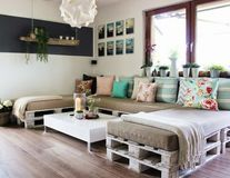 Cum să-ţi faci mobilă din paleţi. 20 de idei geniale