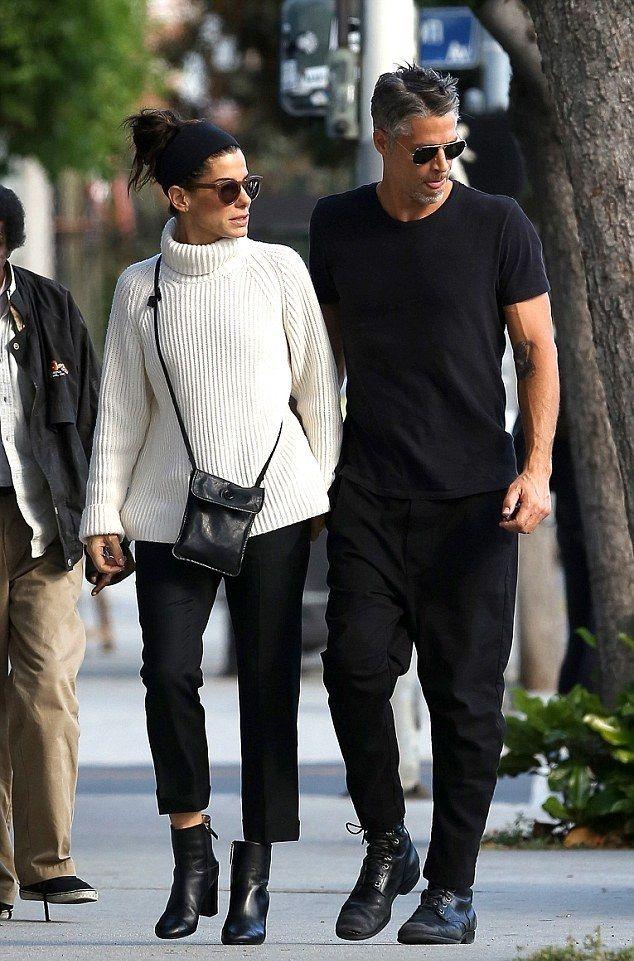 Sandra Bullock, din nou îndrăgostită: Poate fi tatăl perfect pentru copiii ei?