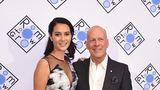 Bruce Willis o duce bine şi fără Demi Moore: Actorul e mândru de soţia lui