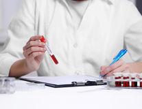 Ce analize trebuie să faci înainte de a lua anticoncepționale