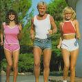 Cum purtau bărbaţii pantalonii scurţi în anii '70. Vei râde cu lacrimi!