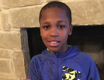 Un băiat de 10 de ani a inventat dispozitivul care poate salva copiii închiși în mașină